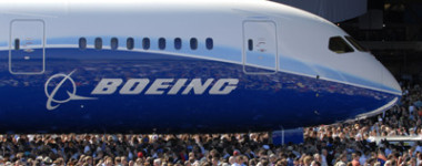Boeing787Crowd