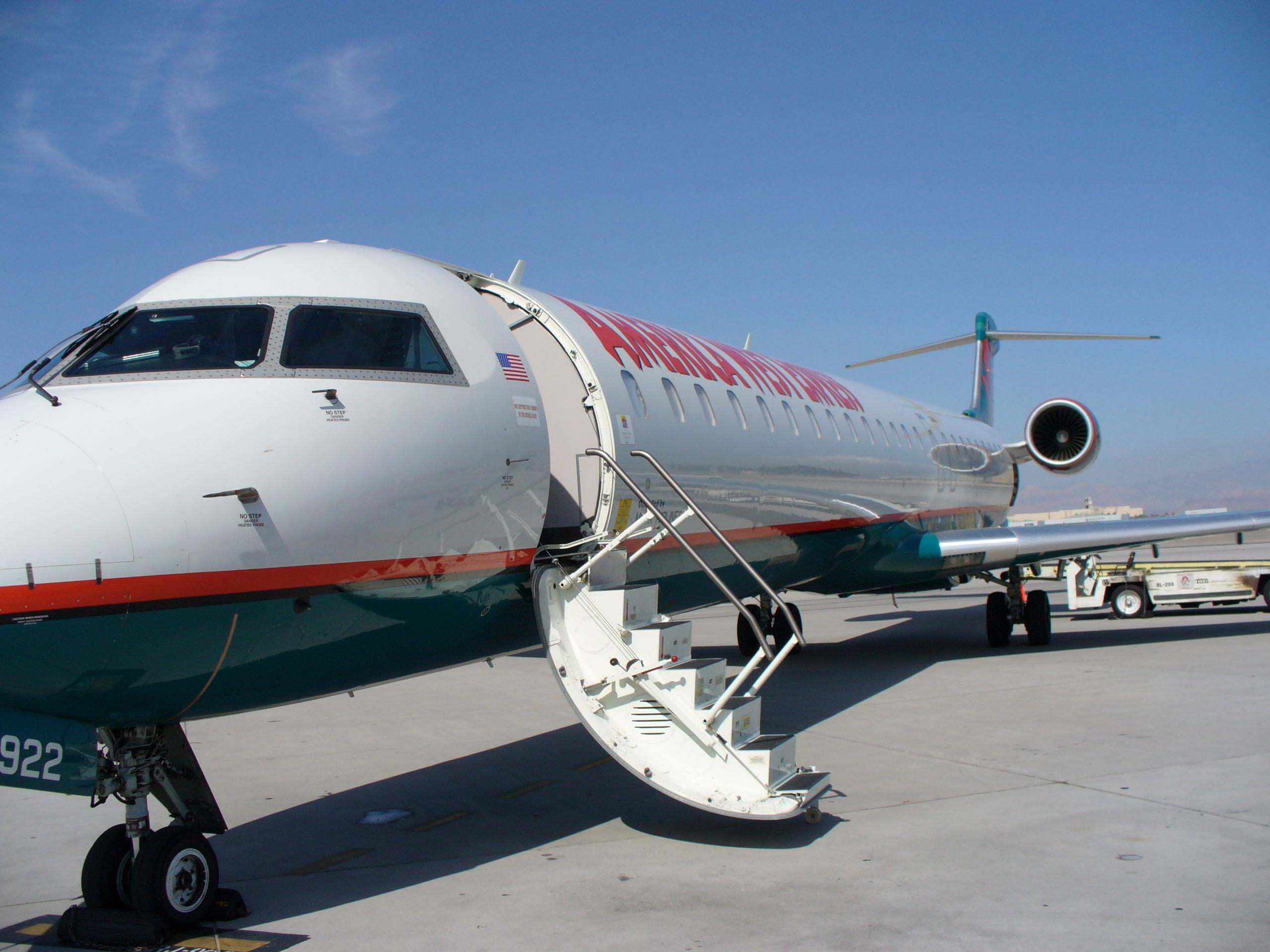 Bombardier Celebrates Endeavor Air S Crj900 Nextgen