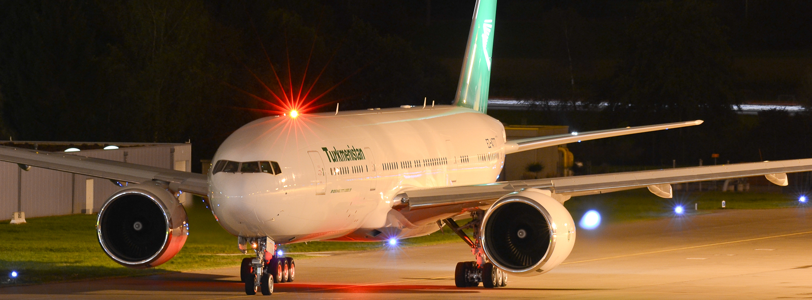 Turkmenistan Airlines Takes Delivery of its First 777-200LR ...