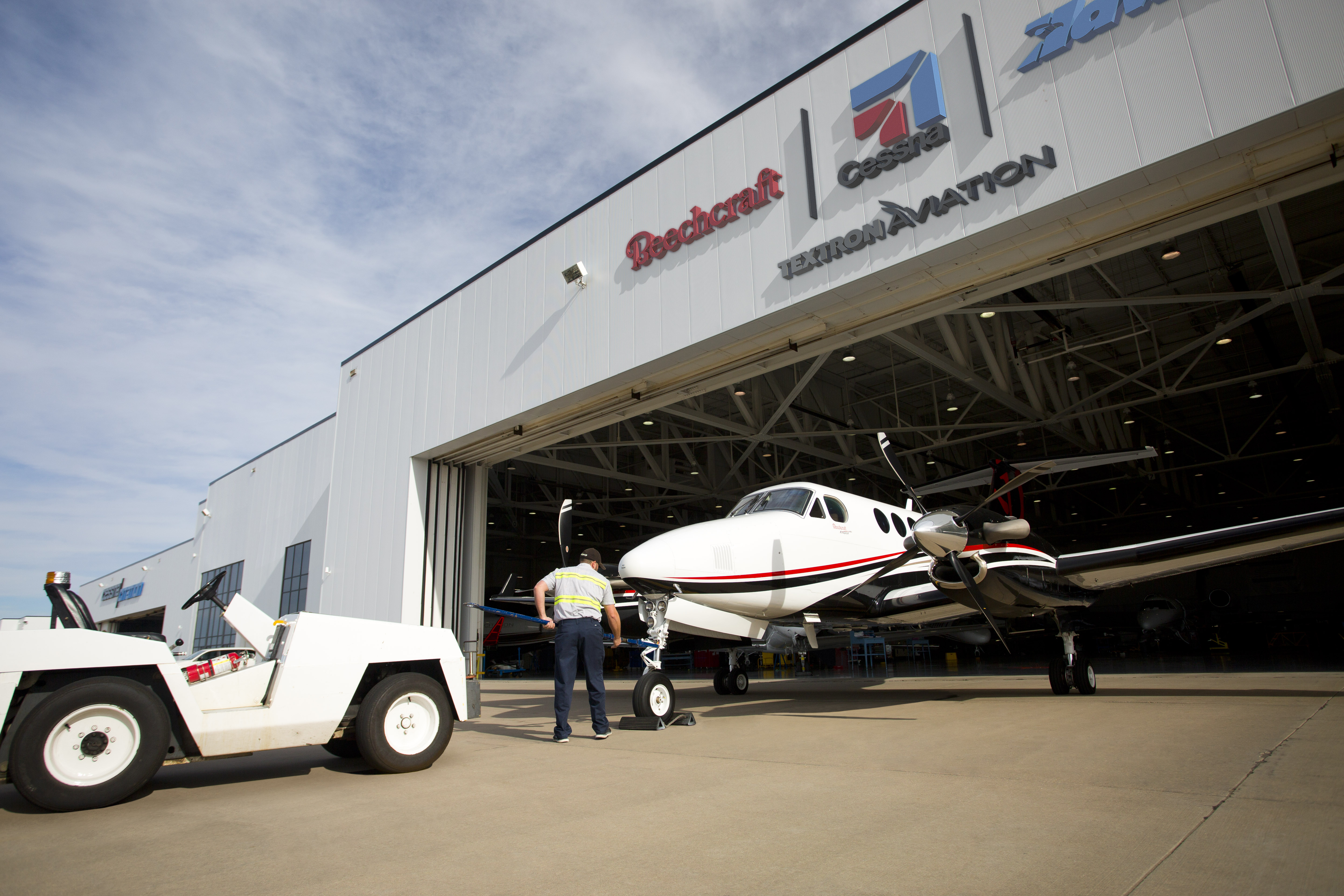 Textron Aviation Enhances Its Sales Network in Africa